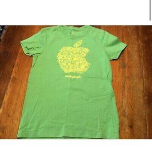 Apple Store Youth Unisex Green TShirt Sz M/8